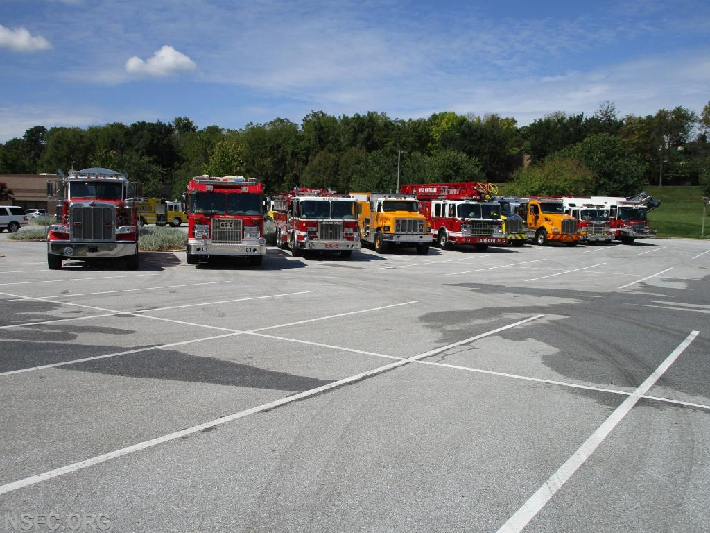 Apparatus in the class L-R Tanker 61, Tanker Engine 68-5, Tanker Engine 4-5, Tanker 39, Ladder 6, Tanker 5, Tanker 22, Tanker Engine 3-5, Tanker Engine 47-5